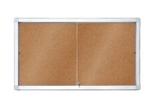 Horizontální interierová korková vitrína s posuvnými dveřmi 97x70 mm (8xA4)