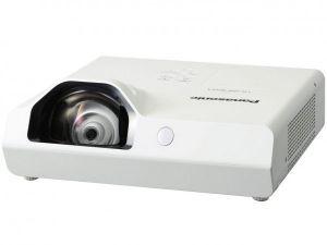 PANASONIC PT-TX320 - 1024x768 XGA/3200 ANSI lm/16000:1/HDMI/USB/1X10W Repro